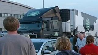 Farmers blockade milk depot