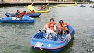 Parisian children boating - file pic