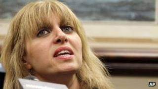 Evana Roth speaks at a news conference in Carle Place, New York 3 August 2012