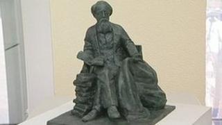 The winning Dickens statue design