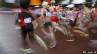 Runners in the women's Olympic marathon
