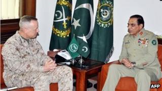 Gen Kayani (right) with US commander in Afghanistan Gen John Allen (Aug 2012)