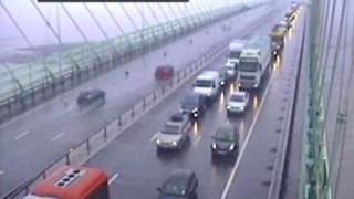 Queuing traffic on the bridge