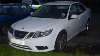 The white Saab 93