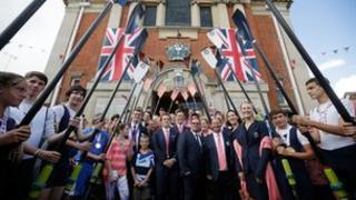 Olympic medalists on Henley town hall