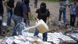 온두라스는 미국으로 밀수되는 코카인의 주요 경로이기도 하다