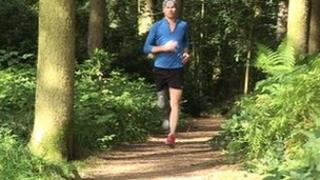 Philip Sheridan running with prosthetic leg