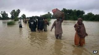 Flood victims in Dera Ghazi Khan