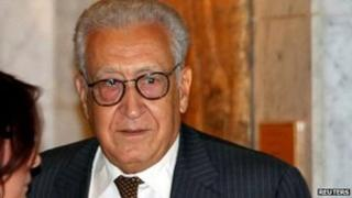 Lakhdar Brahimi arrives at a hotel in Damascus where he is greeted by officials on 13 September 2012