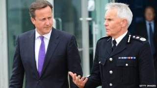 David Cameron talking with Chief Constable Peter Fahy