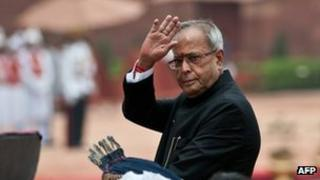 Indian President Pranab Mukherjee saluting