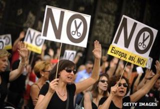 State workers protest against the Spanish government's latest austerity measures