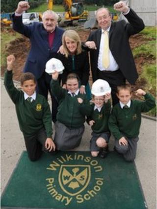 Bert Turner, Headteacher Tina Gibbons, Councillor Phil Page, pupils Roman Woodstock, Freya Jones, Michael Banks and Ashley Groom.