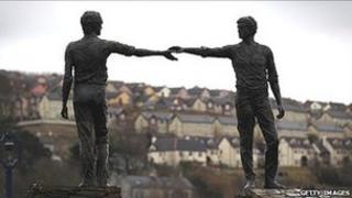 Hands across the divide sculpture in Derry