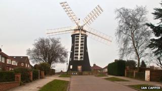 Holgate Windmill roundabout