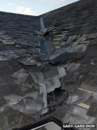 drumlough orange hall damage to roof