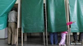 People voting in Valparaiso
