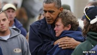 President Obama hugs a storm victim in Brigantine, New Jersey (31 Oct 2012)