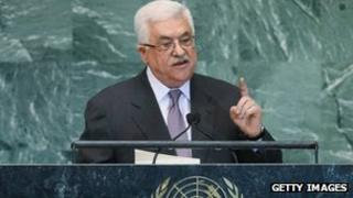 Mahmoud Abbas caresses the UN General Assembly (27 September 2012)