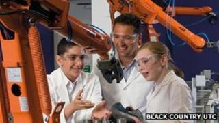 Teenagers study engineering