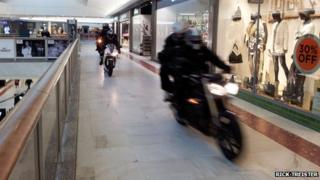 The robbers on motorbikes at Brent Cross