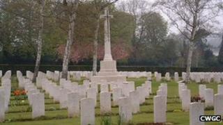 War graves at Botley Cemetery