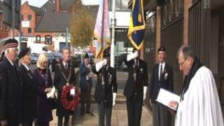 War veterans and council officials at Abington Square