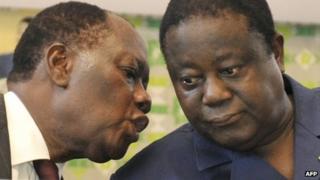 Alassane Ouattara (l) and Henri Konan Bedie (r) in Nov 2010