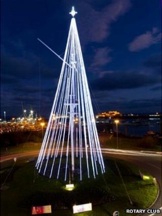 Light tree on Guernsey's weighbridge roundabout in 2011