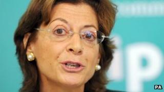 Deborah Glass deputy head of the IPCC