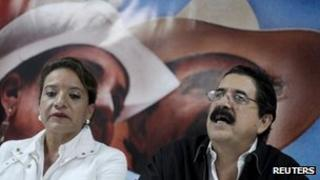 Xiomara Castro (left) and Manuel Zelaya (right) on 18 November 2012
