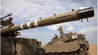 Israeli tanks on the Gaza border