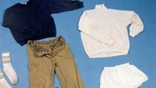 Clothing belonging to man found in the Thames in 1989