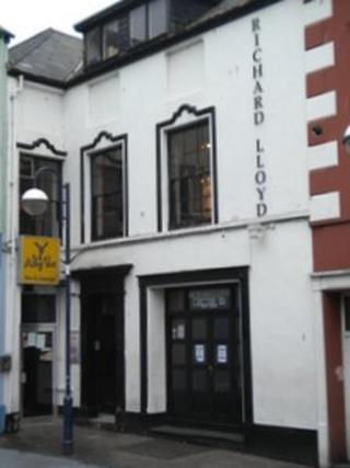 Salon trin gwallt Richard Lloyd yn Aberystwyth