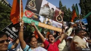 Members of Bharatiya Janata Party celebrate hanging of Qasab in Mumbai on 21 November 2012