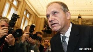 Ernst Strasser in court in Vienna, 26 Nov 12