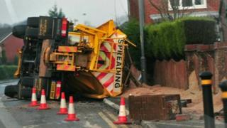 The damaged gritter