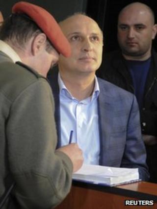 Police register former Georgian Prime Minister Vano Merabishvili for questioning in Tbilisi, 1 December