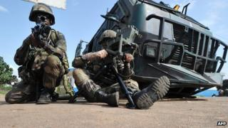 French peacekeepers in a mock exercise in Abidjan, Ivory Coast (19 November 2012)