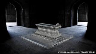 Safdarjang's Tomb in Delhi taken by Pranav Singh that won the world's largest online photo contest