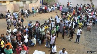 Long queue at polling station in Accra. 7 Dec 2012