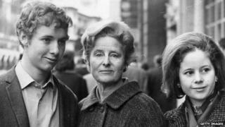 Colm Thomas, his mother Caitlin and sister Aeronwy in 1968 outside court during a lawsuit to retrieve letters written to her by her husband and manuscripts.