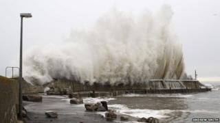 Wave at Balintore