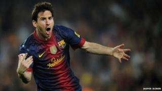 Lionel Messi signs new Barca deal