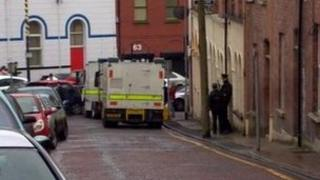 Army bomb disposal experts went to the scene in Derry's Hawkin Street
