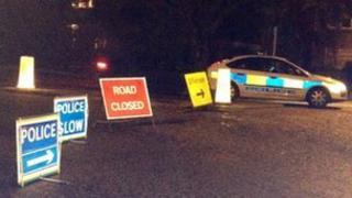 Crash diversion signs