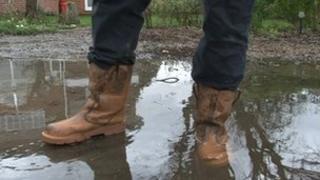 Sewerage flooding Playhatch