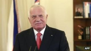Czech President Vaclav Klaus delivers his New Year's speech at Prague Castle, 1 January