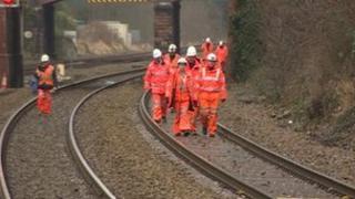 Rail workers near Barrow on Soar