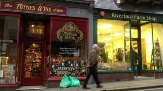 Shops in Totnes High Street